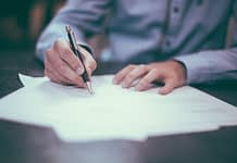 Versenytilalmi megállapodás aláírása.