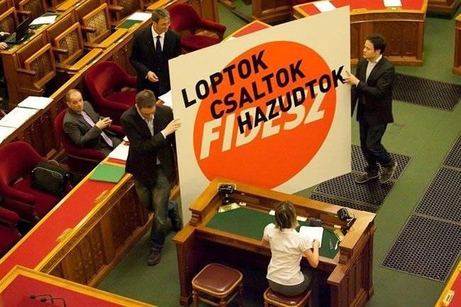 fidesz_loptok_csaltok_hazudtok